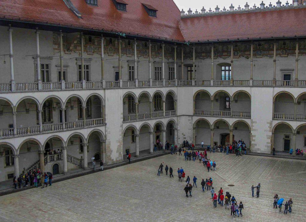 Centro storico Di Cracovia: il cortile del Castello di Wawel