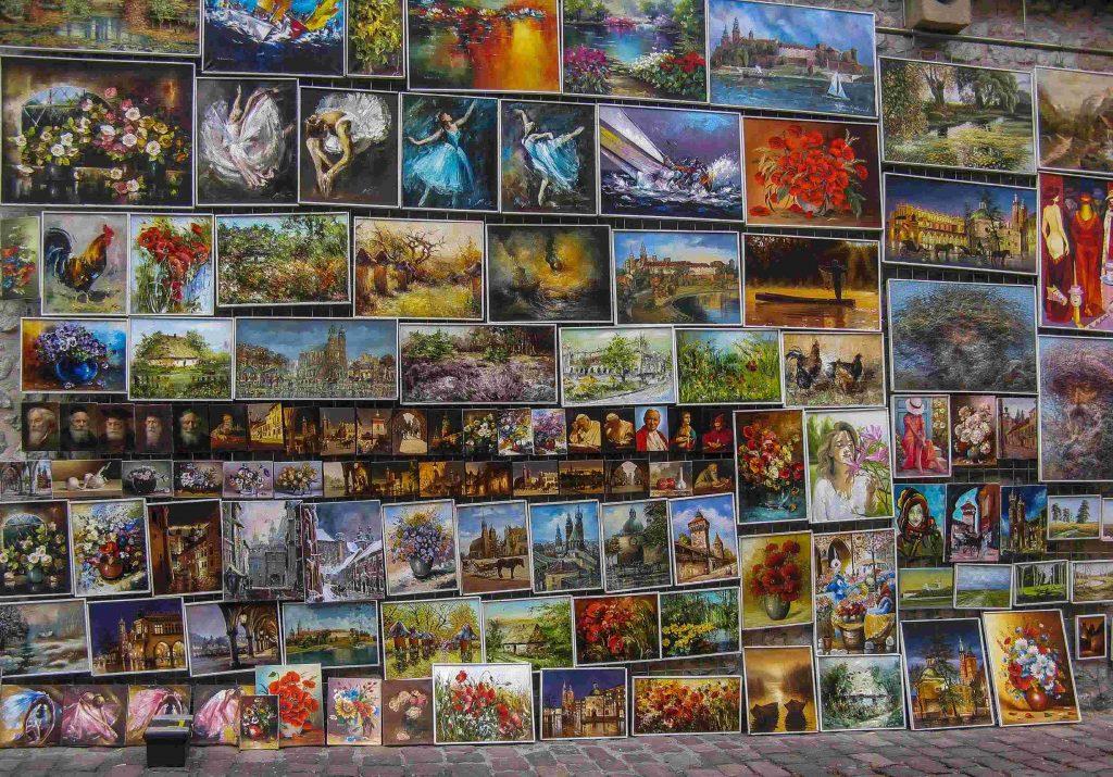 Centro storico di Cracovia: i quadri nelle mura