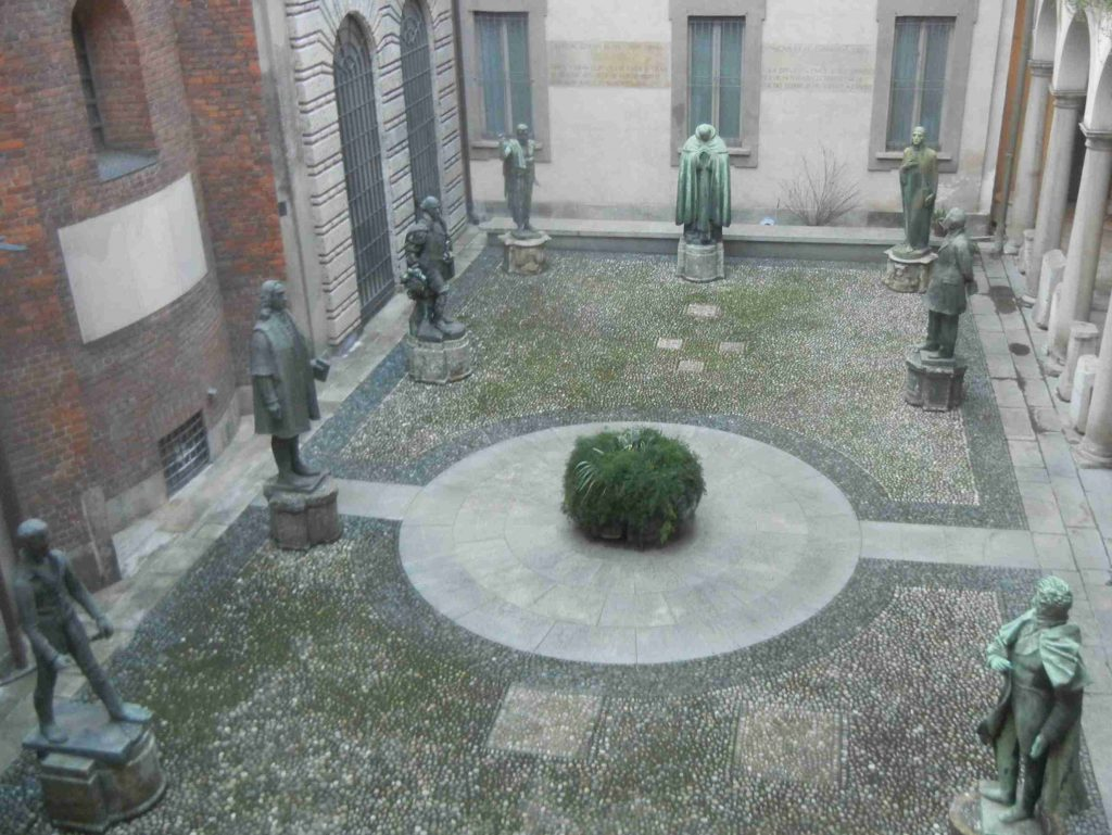 Il Cortile degli Spiriti Magni della Pinacoteca Ambrosiana