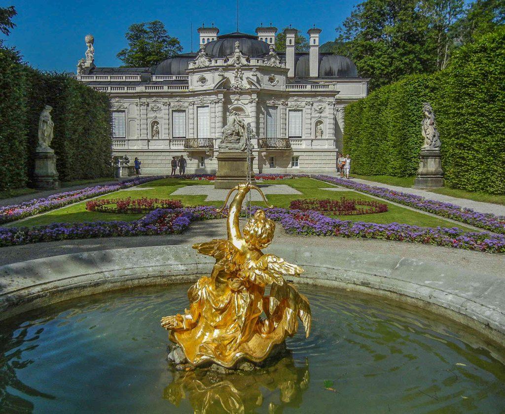 Castello di Linderhof: la fontana con la statua di Cupido
