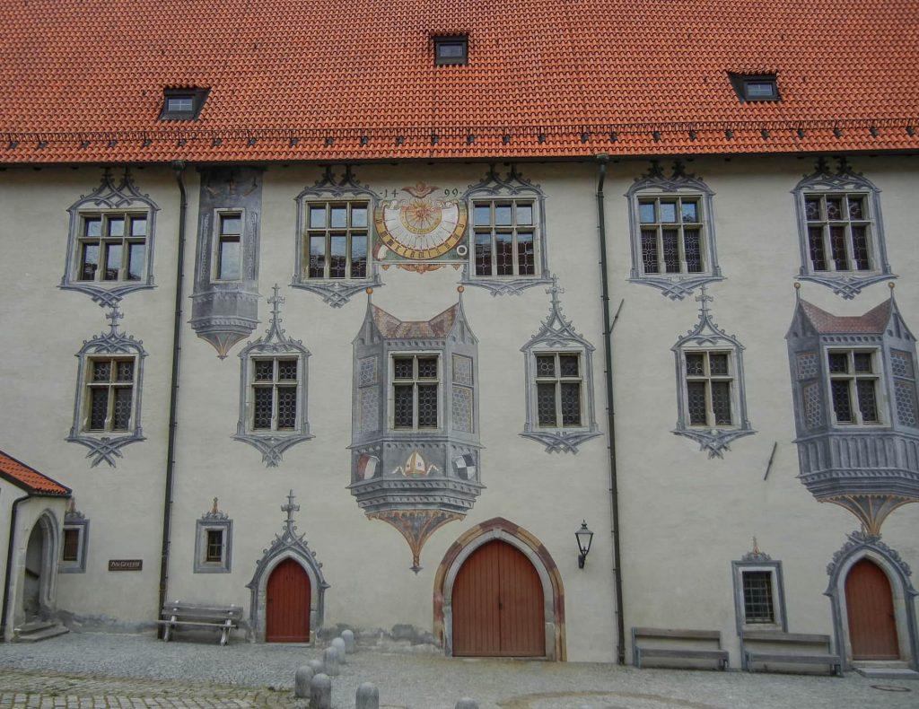 La facciata del castello di Fussen