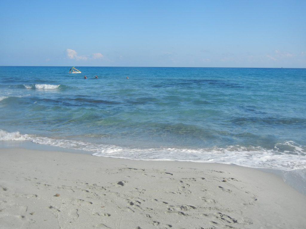 Il mare della spiaggia di Simius